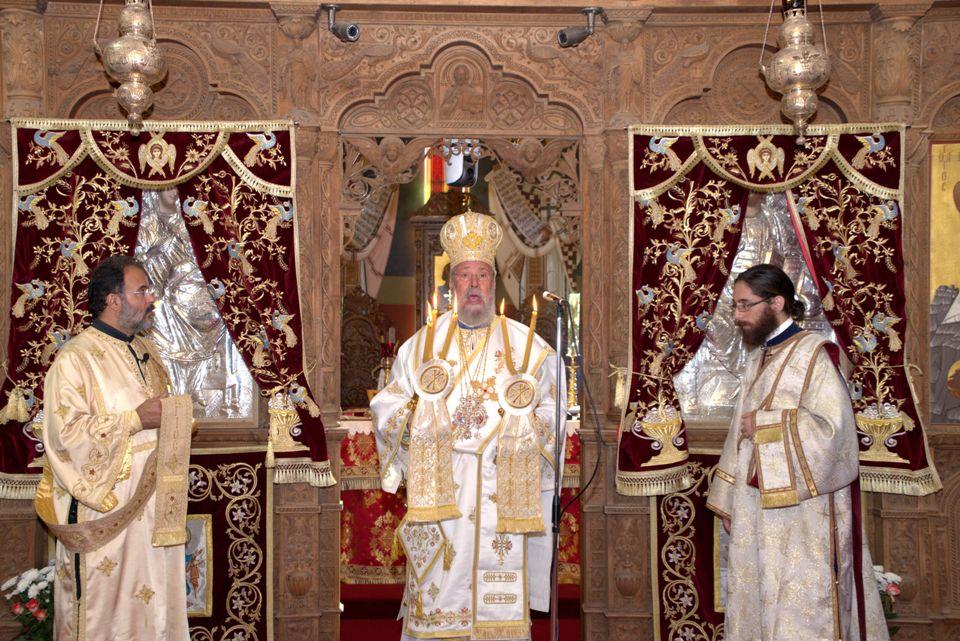 Πρωθιεραρχική Θεία Λειτουργία στον Μητροπολιτικό Αγίου Γεωργίου-Εγκαίνια 4ης Διεθνούς Έκθεσης Βιβλίου