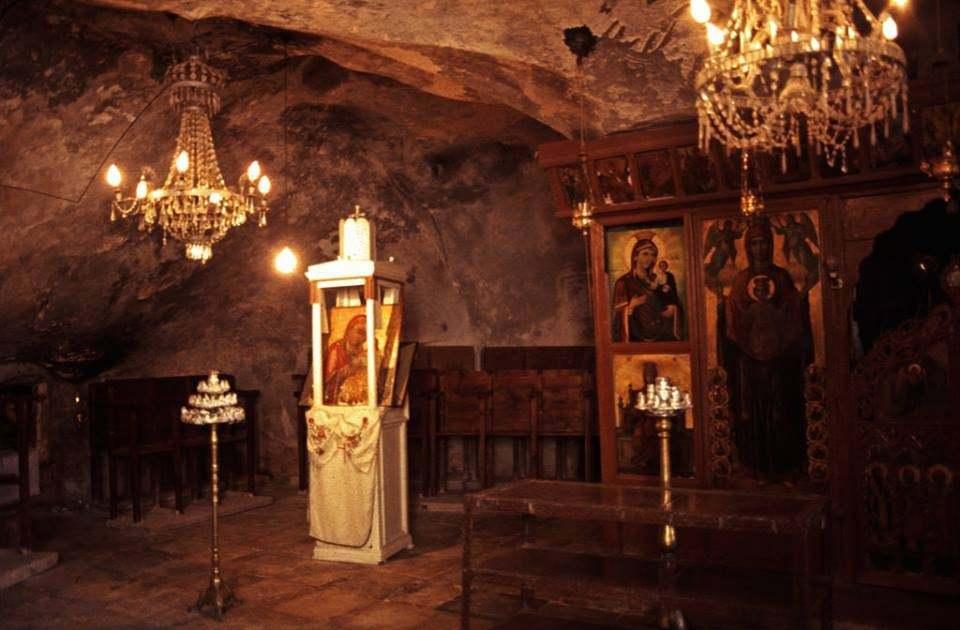 Συλλογή αρχειακού υλικού για την αρχαία Μονή της Αγίας Νάπας