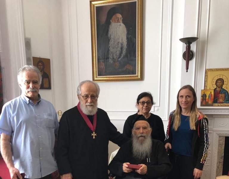 Ο Πανιερώτατος τιμήθηκε με τον μεγαλόσταυρο της Αρχιεπισκοπής Θυατείρων και Μεγάλης Βρετανίας