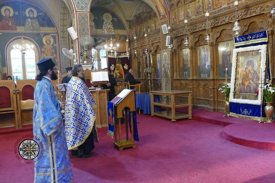 Η ακολουθία του Ακαθίστου Ύμνου στον Μητροπολιτικό Ναό του Αγίου Γεωργίου